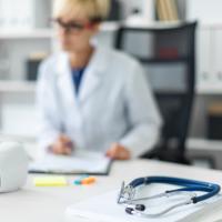 Поправка к Тарифному соглашению о понижении уровня медпомощи конкретного медцентра оспаривается в арбитражном суде по правилам АПК РФ