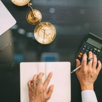 Денежные средства, выданные работникам без оформления приказов, облагаются страховыми взносами, если их расходование документально не подтверждено