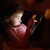 Сотрудников школ могут обязать следить за тем, чтобы дети не получали доступ к запрещенной информации