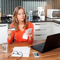 Налоговики не вправе заблокировать личный счет физлица, не зарегистрированного ИП