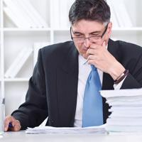 Определение рассмотрев жалобу на постановление недостатки протокола возвратить материалы орган