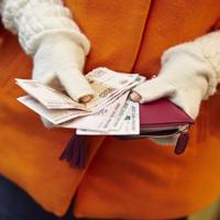 По мнению ФНС России, заплатить налог за другого человека можно только по доверенности