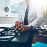 Разъяснено, как исчислять налог на имущество организаций, если объект исключен из специального регионального перечня