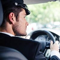 С сегодняшнего дня иностранцы не могут работать в России водителями на основании иностранных водительских удостоверений