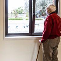 Скорректированы правила выдачи карантинных больничных гражданам старше 65 лет