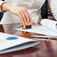 В инспекции примут документы вне зависимости от наличия в них печати