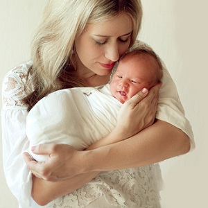 Получателем единовременного пособия при рождении ребенка является