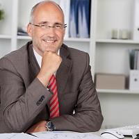 При продаже коммерческой недвижимости нельзя декларировать доход как физлицо без статуса ИП и применять имущественные вычеты