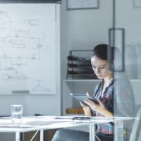 Зарплата сотрудникам за официально установленные нерабочие дни, учитывается при УСН