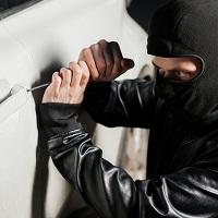 Госдума приняла закон, обязывающий угонщиков платить за ущерб причиненный автомобилю другими лицами