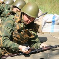 Военных резервистов заставят проходить ежемесячную боевую тренировку