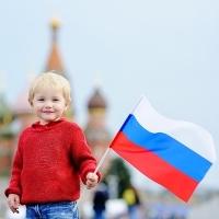 Эксперты: снятие требования о согласии родителя-иностранца на получение ребенком российского гражданства не соответствует Семейному кодексу