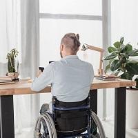 Обустройство рабочих мест инвалидов: суд ответил, на что нельзя потратить целевую субсидию
