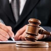 Суд: водитель не может нести полную материальную ответственность за служебный автомобиль в случае ДТП