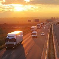 Многоместные пассажирские автобусы и тяжелые грузовики необходимо оборудовать цифровыми тахографами (до 2 марта)