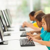 Общественники выступают за введение в школьную программу курса по информационной безопасности