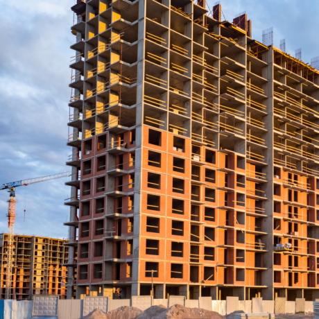 Права дольщиков будут защищены, даже если у застройщика нет прав на землю или разрешения на строительство
