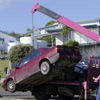 Должностных лиц могут начать штрафовать за незаконную эвакуацию машин