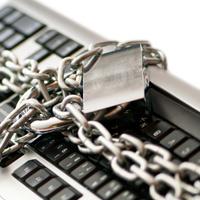 Гражданским служащим могут запретить пользоваться отдельными программными продуктами и техническими средствами связи
