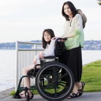Ежемесячную выплату неработающим родителям с детьми-инвалидами могут увеличить