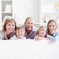 Эксперты: необходимо уменьшить пенсионный возраст многодетным родителям и закрепить возможность получения выплат на ребенка вне зависимости от субъекта РФ