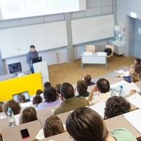 Роспотребнадзор советует вузам обеспечить запас масок для студентов и сотрудников