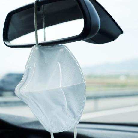 Штраф в размере 7,5 тыс. руб. заплатил напарник водителя за нахождение в кабине грузовика без гигиенической маски