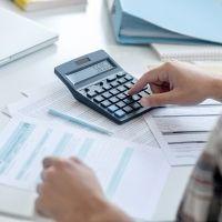 Изменение кадастровой цены на рыночную влечет перерасчет налогов за все периоды, в которые она применялась