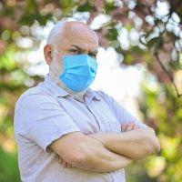 Для работников старше 65 лет установлен очередной срок карантинного больничного листа