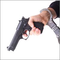 В УК РФ могут закрепить возможность использования оружия в целях самообороны