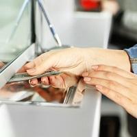 Предлагается закрепить обязанность органов ПФР по переводу пенсий в любой банк по выбору гражданина