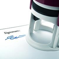 Вступил в силу закон о праве использования инвалидами по зрению факсимильной печати