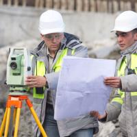 Должен ли субподрядчик, осуществляющий инженерные изыскания по договору на подготовку проектной документации, быть членом соответствующей СРО?