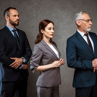 Для развития госслужбы планируется изменять трудовые контракты госслужащих