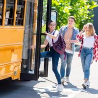 Определены единственные исполнители при закупке Минпромторгом России школьных автобусов в 2020 году