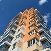 КС РФ отказался проверять норму о бесплатном переходе собственникам квартир земли под МКД