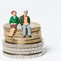 В Госдуму внесен законопроект о возобновлении индексации страховой пенсии работающим пенсионерам
