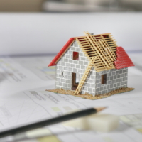 Росреестр пояснил, на каких участках нельзя строить жилые и садовые дома