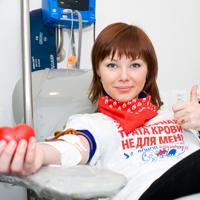 Почетным донорам России могут вернуть право выбора между получением денежной выплаты или комплекса мер соцподдержки