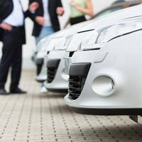 Государство субсидирует кредиты на реализацию в 2014 году российскими автопроизводителями инвестпроектов