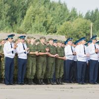 Предлагается законодательно закрепить полномочия пунктов отбора на военную службу по контракту