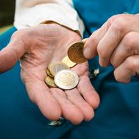 В Госдуму внесен законопроект, предусматривающий особенности обращения взыскания на доходы должника, получающего пенсию