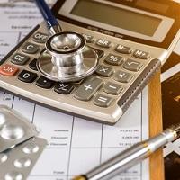 Получение налогового вычета на лечение через работодателя.