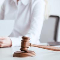 Суд: за нарушения в бухгалтерском учете учреждения будет наказан руководитель