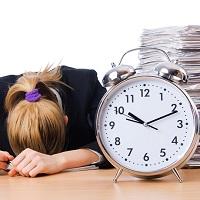 Как учесть оплату сверхурочной работы при суммированном учете в расчете среднего заработка увольняемого работника?