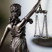 Оплата питания, санатория и проезда в отпуск: позиции ФНС  России и судов о начислении взносов