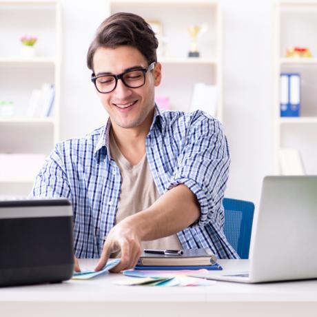 Совместитель, давший согласие на отзыв из отпуска, должен быть отозван из отпуска и по основному месту работы