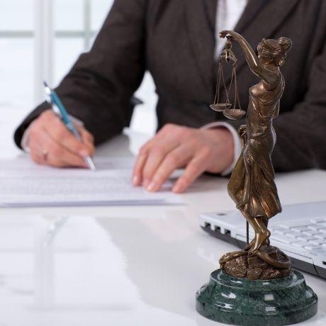 Предлагается усовершенствовать порядок предоставления юридической помощи осужденным