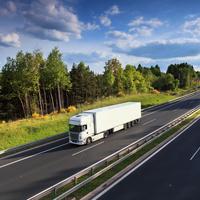 Размер платы за проезд большегрузов по федеральным автотрассам не будет корректироваться до октября