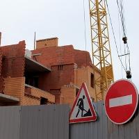 ВС РФ: в удовлетворении иска об освобождении земельного участка должно быть отказано, если на нем расположен объект незавершенного строительства